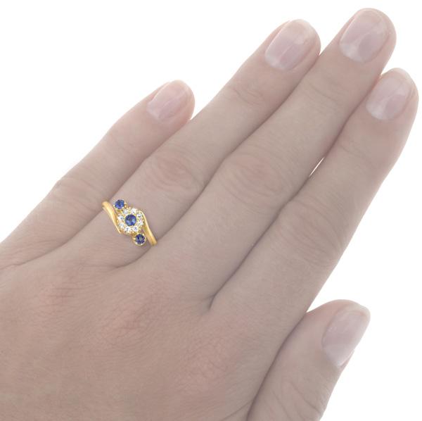 Antique Sapphire and Diamond Daisy ring -2858